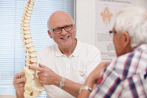 Logo vom AMM-Netzwerkpartner Dr. Frohberger mit Patient