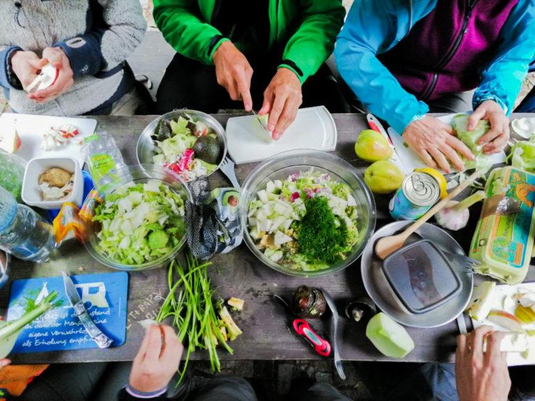 Foto: Nahrungszubereitung Kundenzufriedenheit AMM-Marktplatzpartner Adrian Friedrich