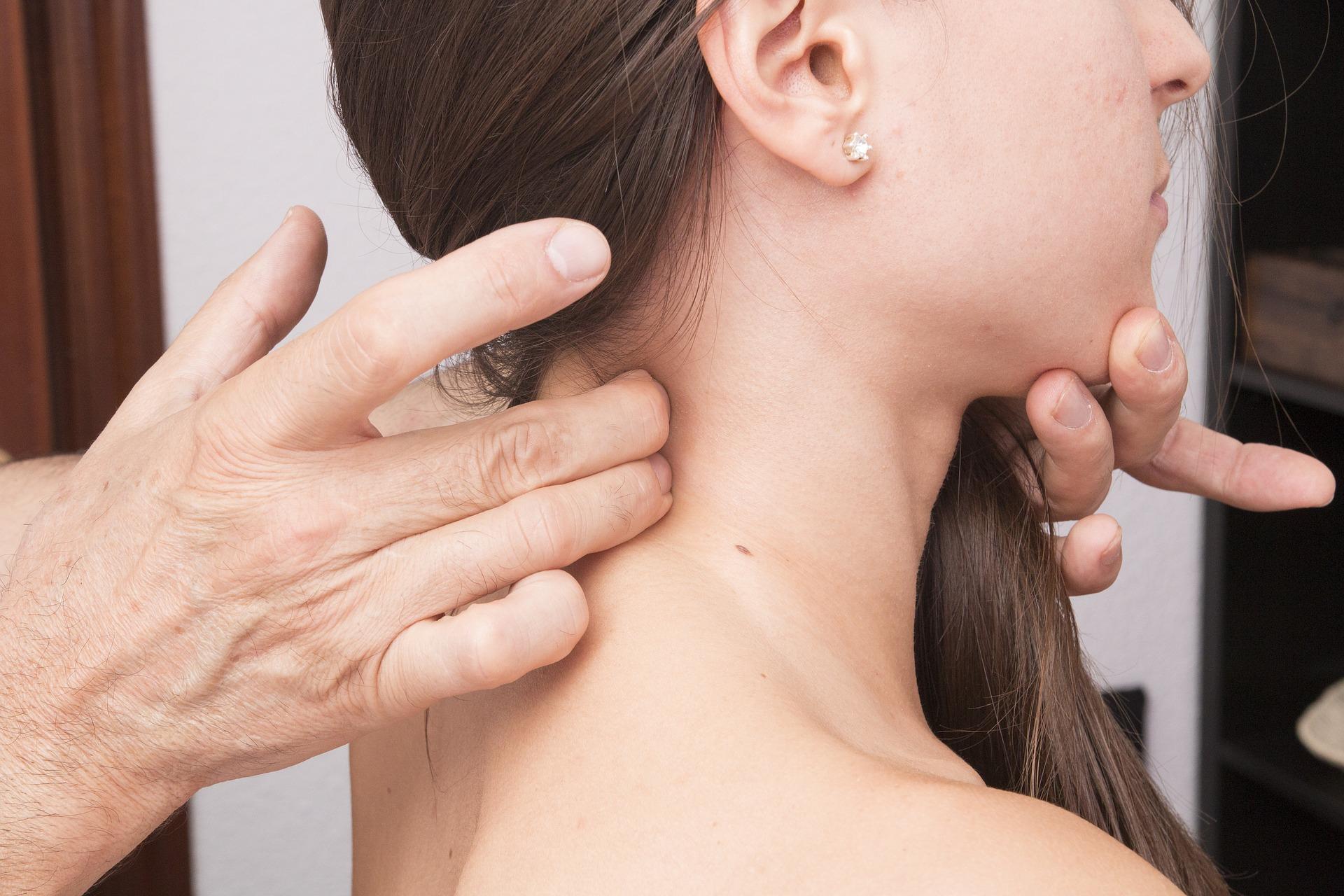 Behandlungsfoto einer cervicalen Behandlung